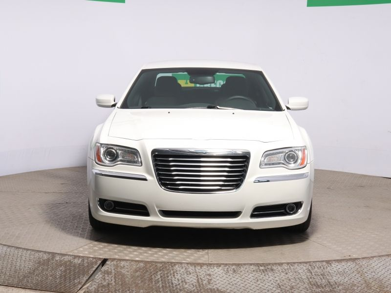 Chrysler 300 TOURING AUTO A/C GR ELECT BLUETOOTH MAGS  2012